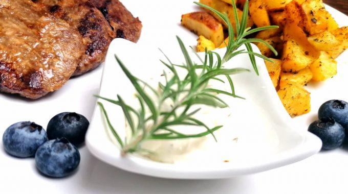 pečené zemiaky a domáca tatarka
