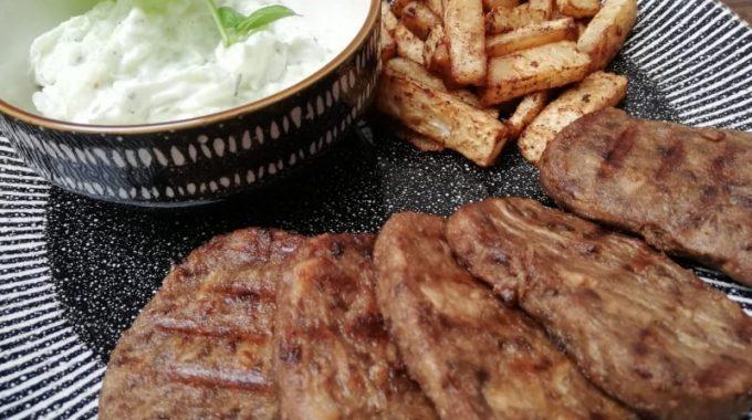 Vegan steak, Vegan řízek, Vegetarian steak, vegetarian řízek, celerovou hranolky, Tzatziky